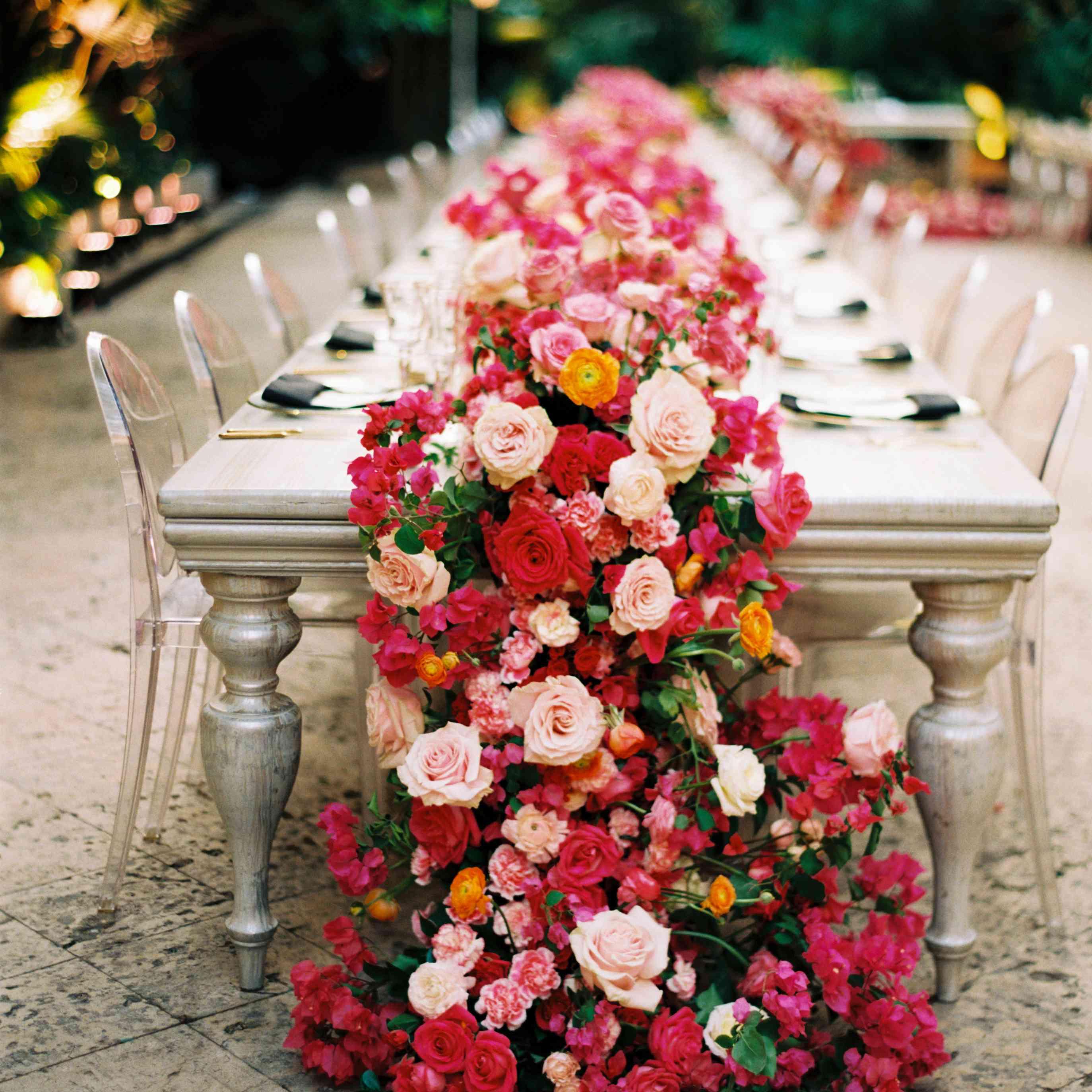 bold bloom table runner