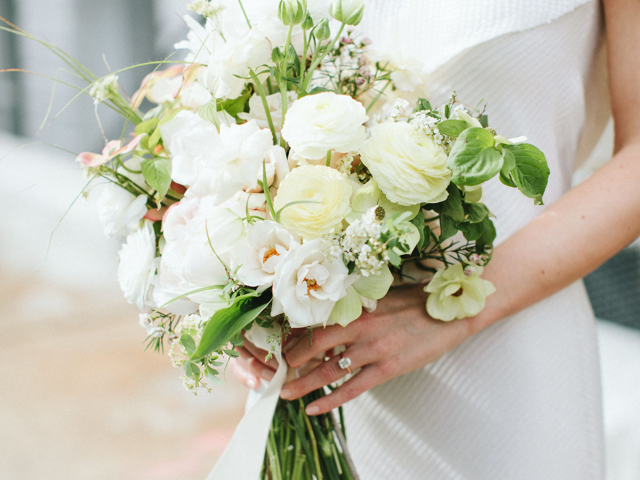 32 Ways to Use White Ranunculus in Your Wedding Décor