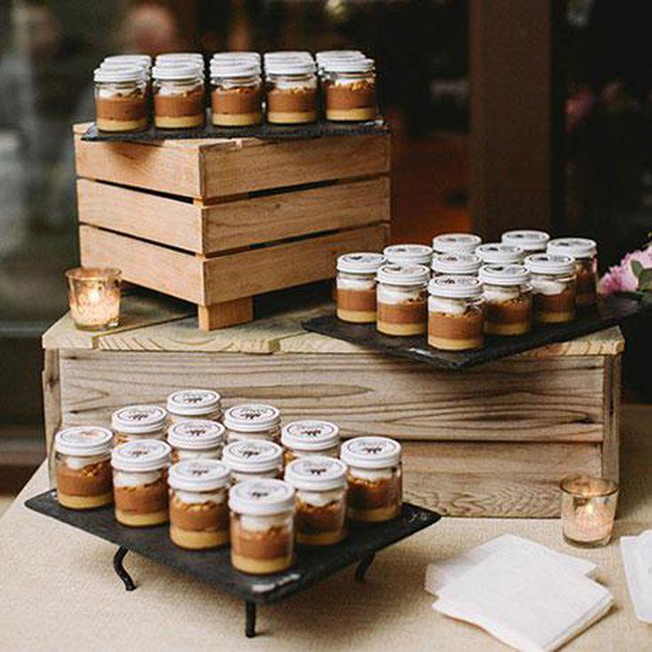 10 Mason Jar Wedding Favors Your Guests