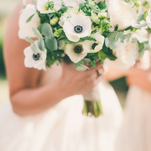 In Season Now: Pretty Wedding Bouquets With Anemones