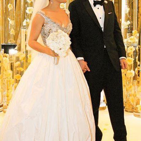 Salma Hayek marries Francois-Henri Pinault in Balenciaga, 2009