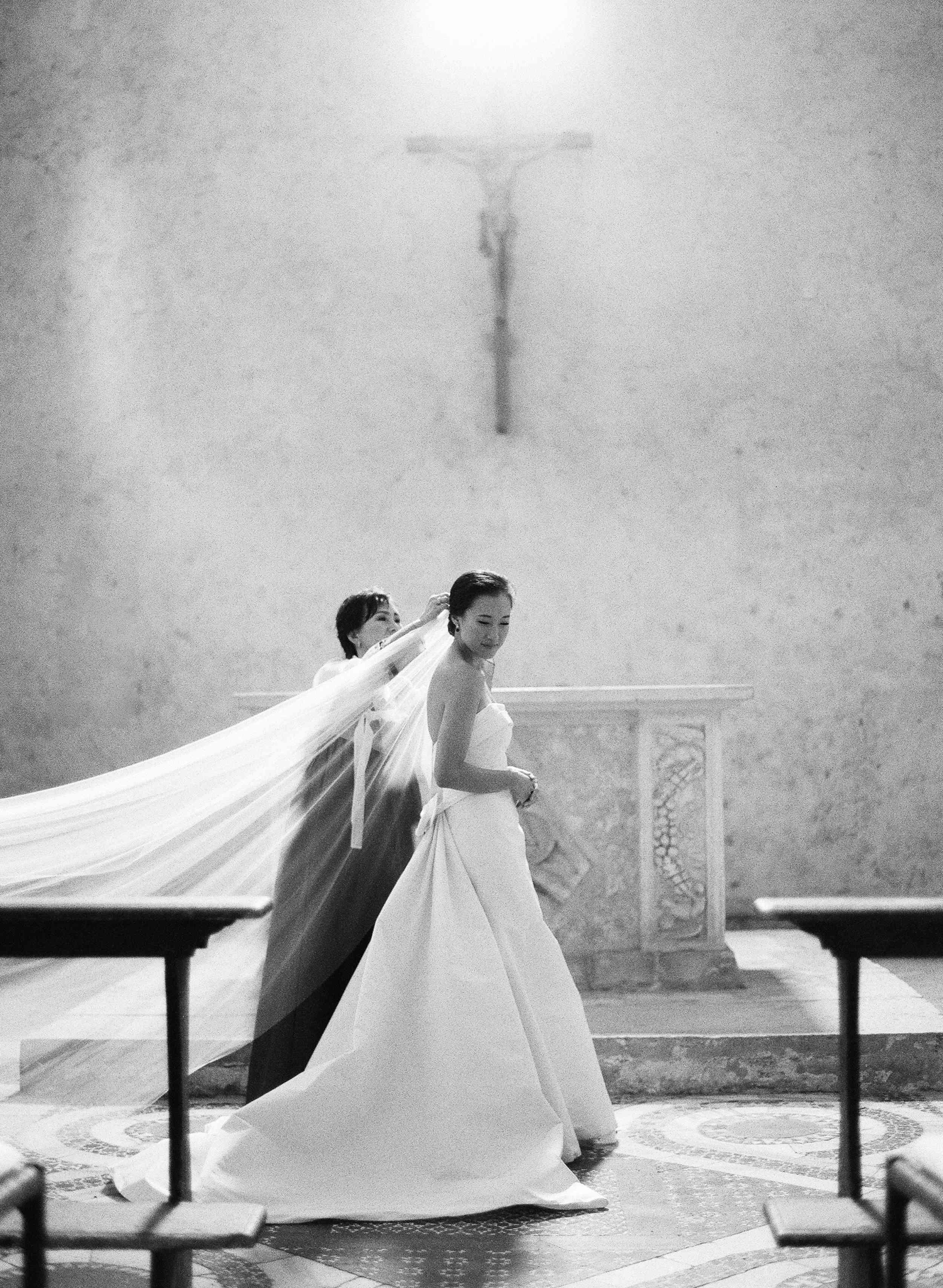 classic la badia italian wedding, bride with mother of the bride