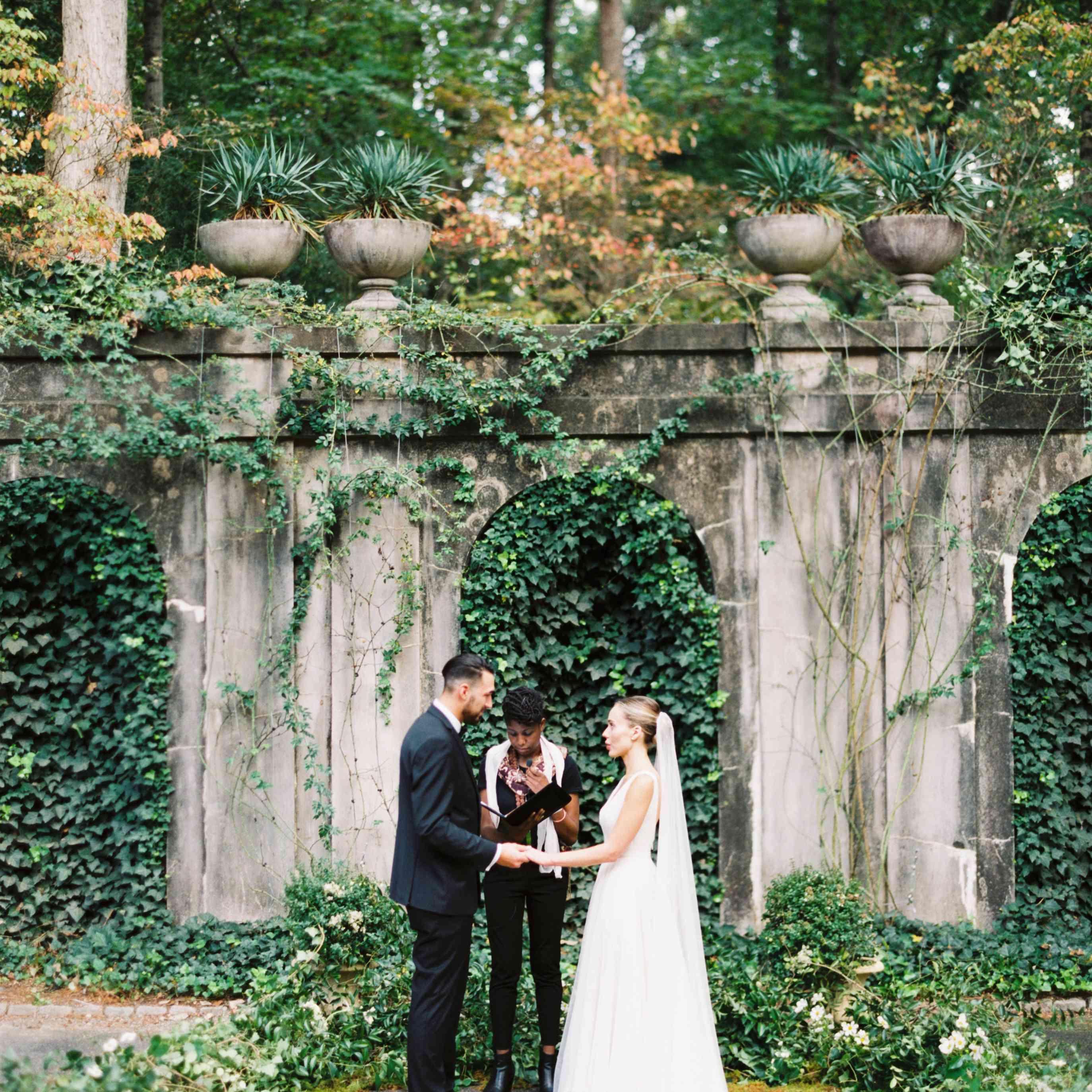10 Whimsical Garden Wedding Ideas