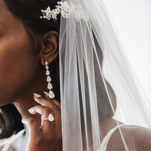 Bridal trousseau jewelry and veil