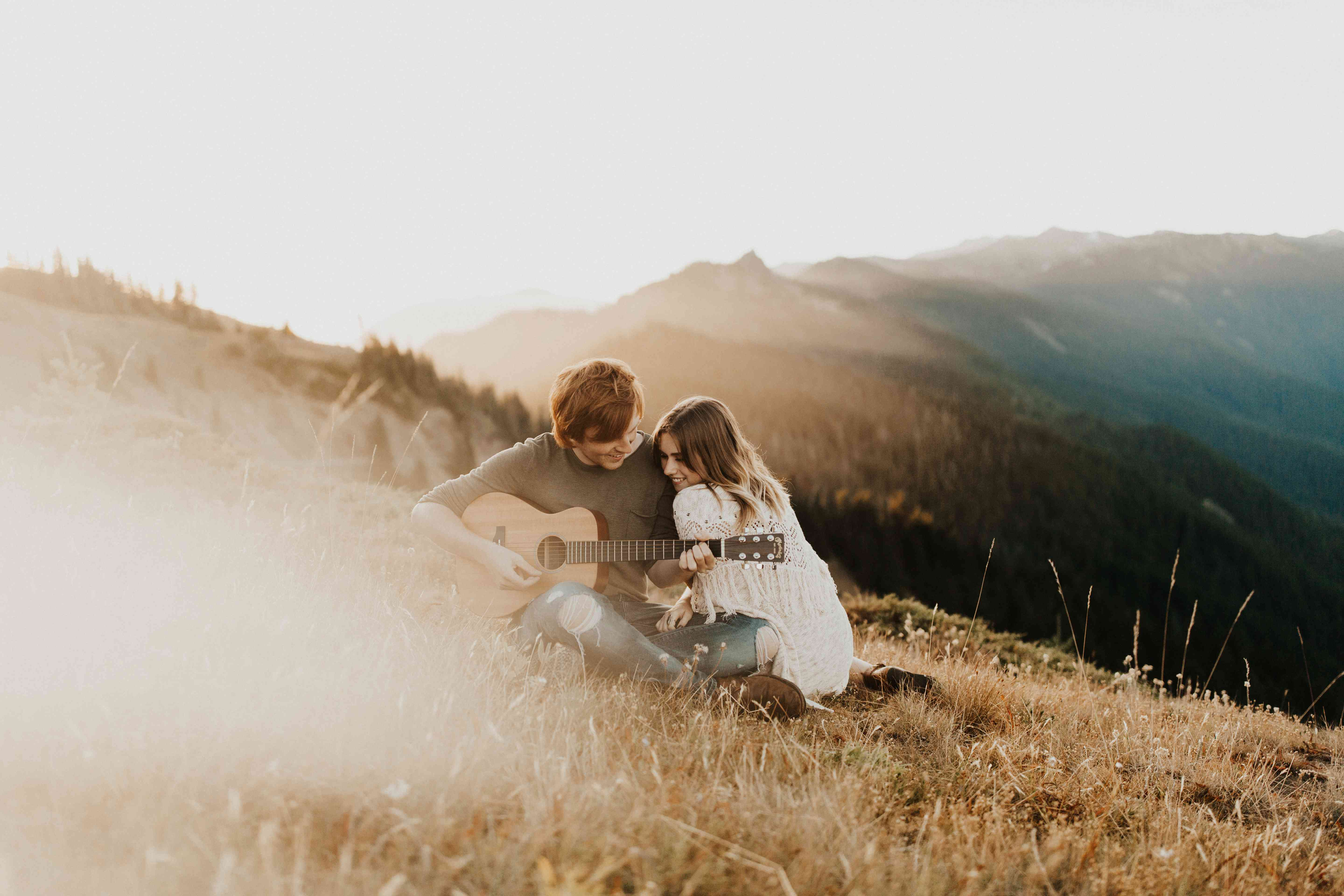 80 Engagement Photo Ideas To Steal From Couples Who Totally Nailed It