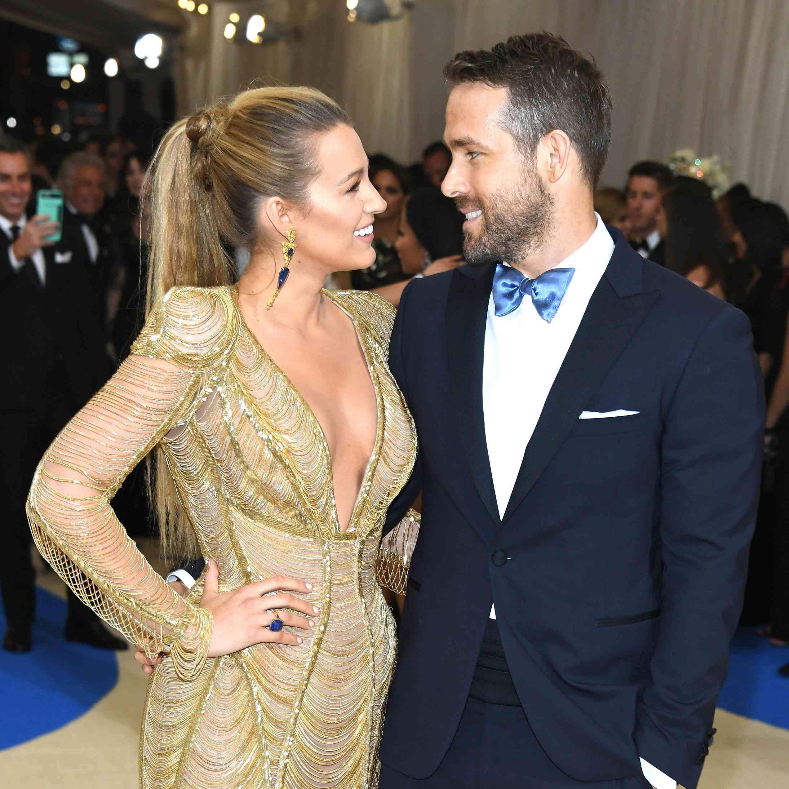 Ryan Reynolds And Blake Lively Wedding.Blake Lively Celebrates Wedding Anniversary To Ryan Reynolds