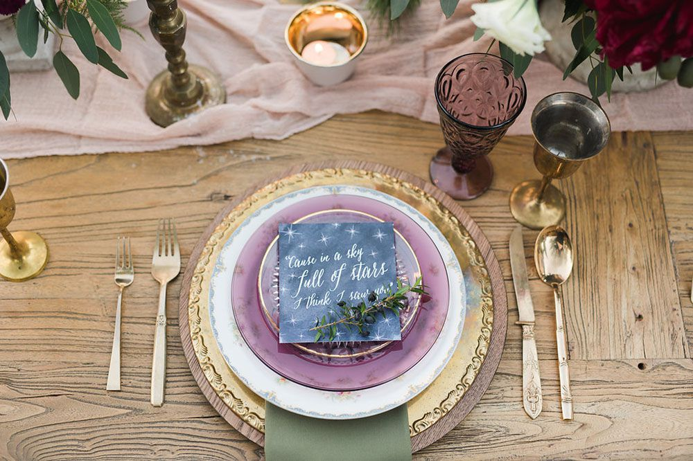Table setting featuring Coldplay lyrics