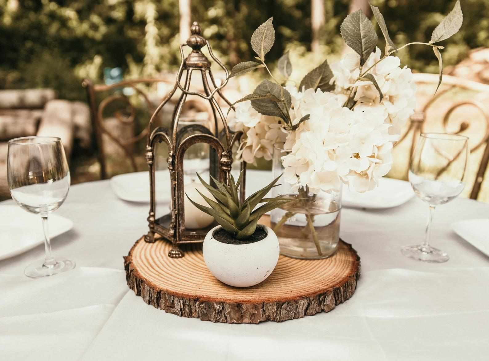 Rustic Wedding Ideas: 9 Decorations, Venue Ideas, and Pointers