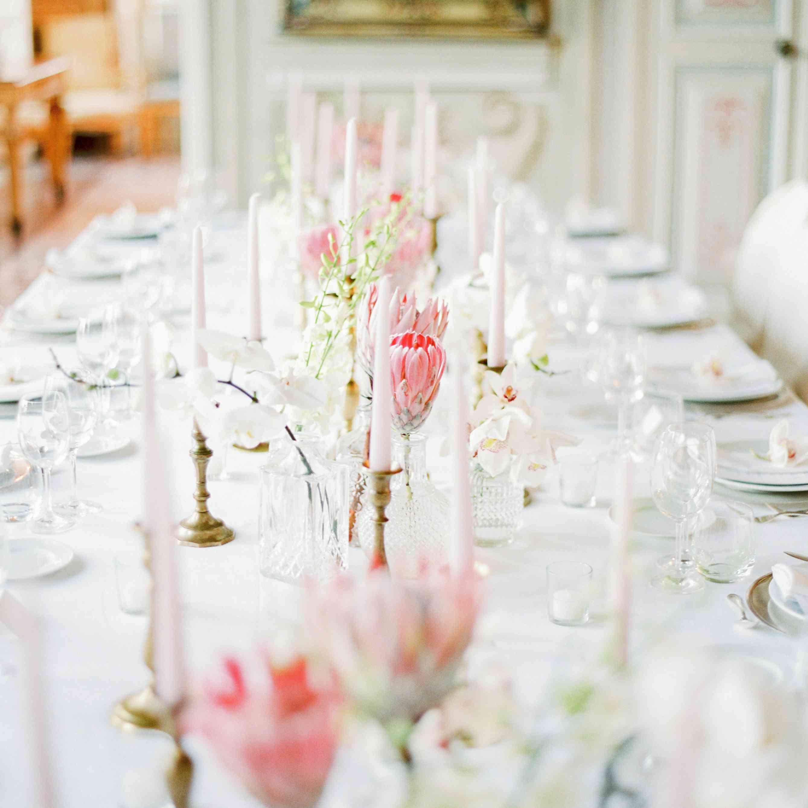 <p>reception table setting</p>