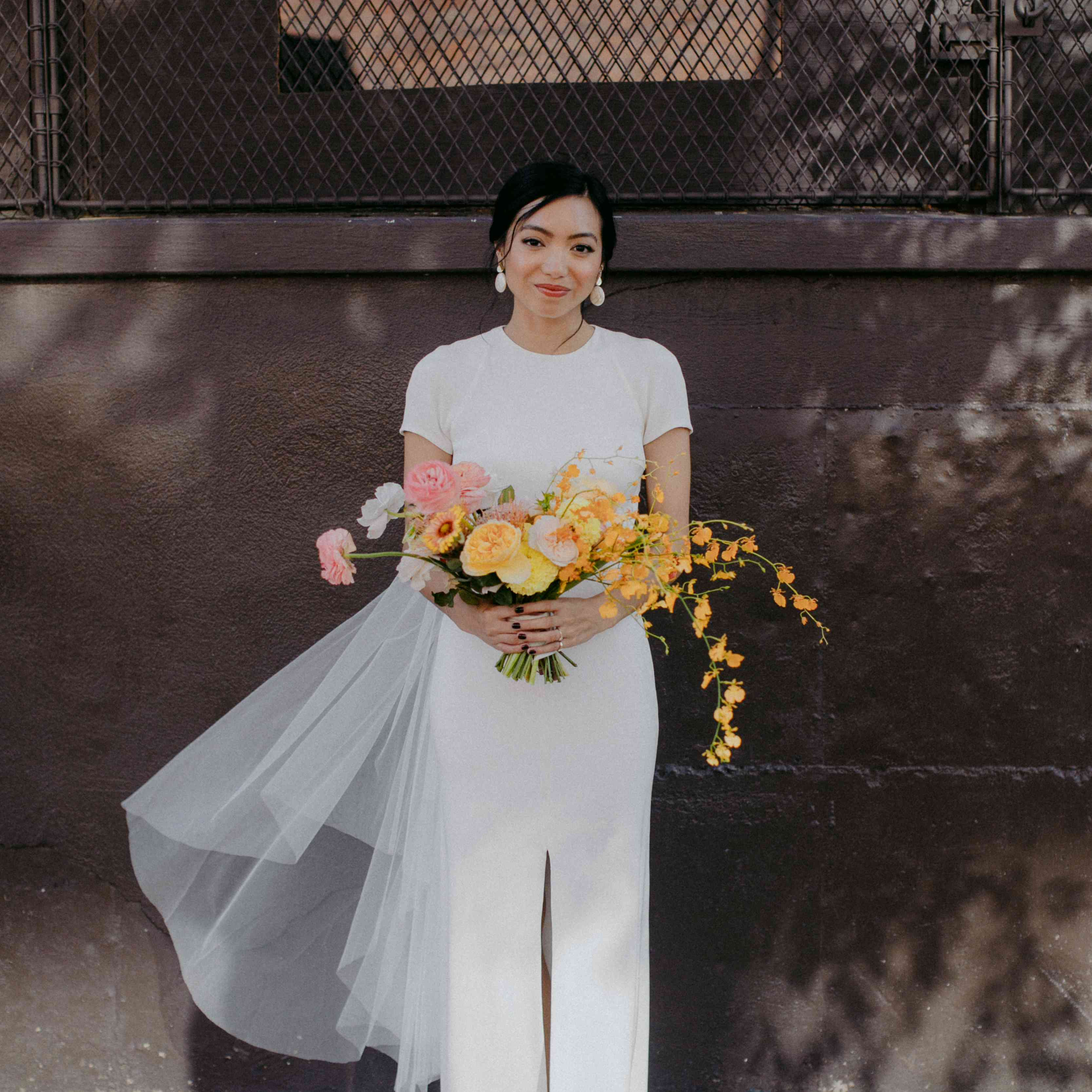 <p>bride short-sleeve wedding dress</p>