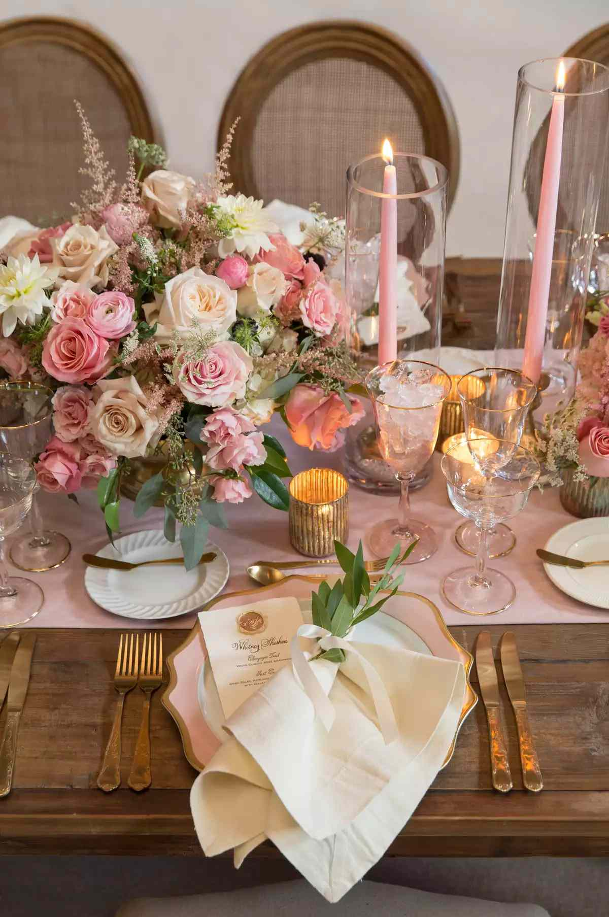 pink and white rose centerpiece