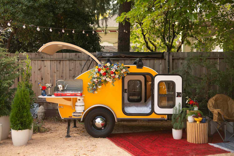 Emily & Antonio's surprise backyard honeymoon set up
