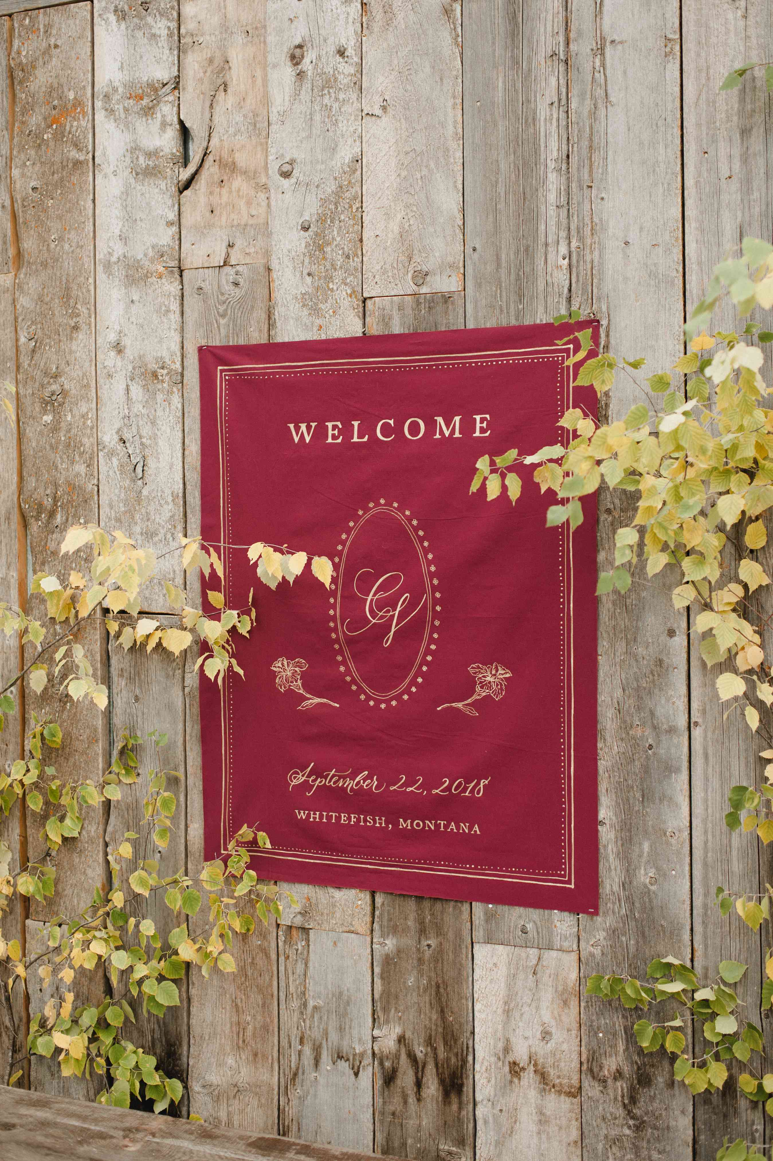 <p>welcome sign</p>