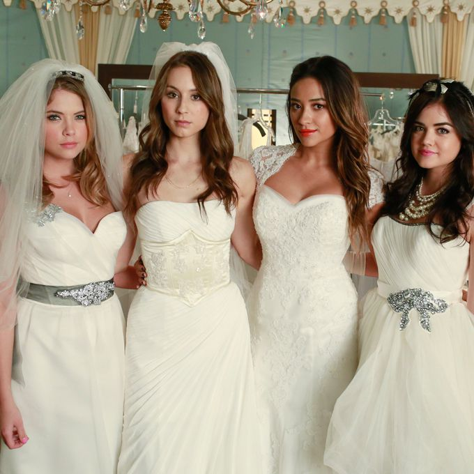 Aria, Spencer, Hanna, and Emily Pretty Little Liars