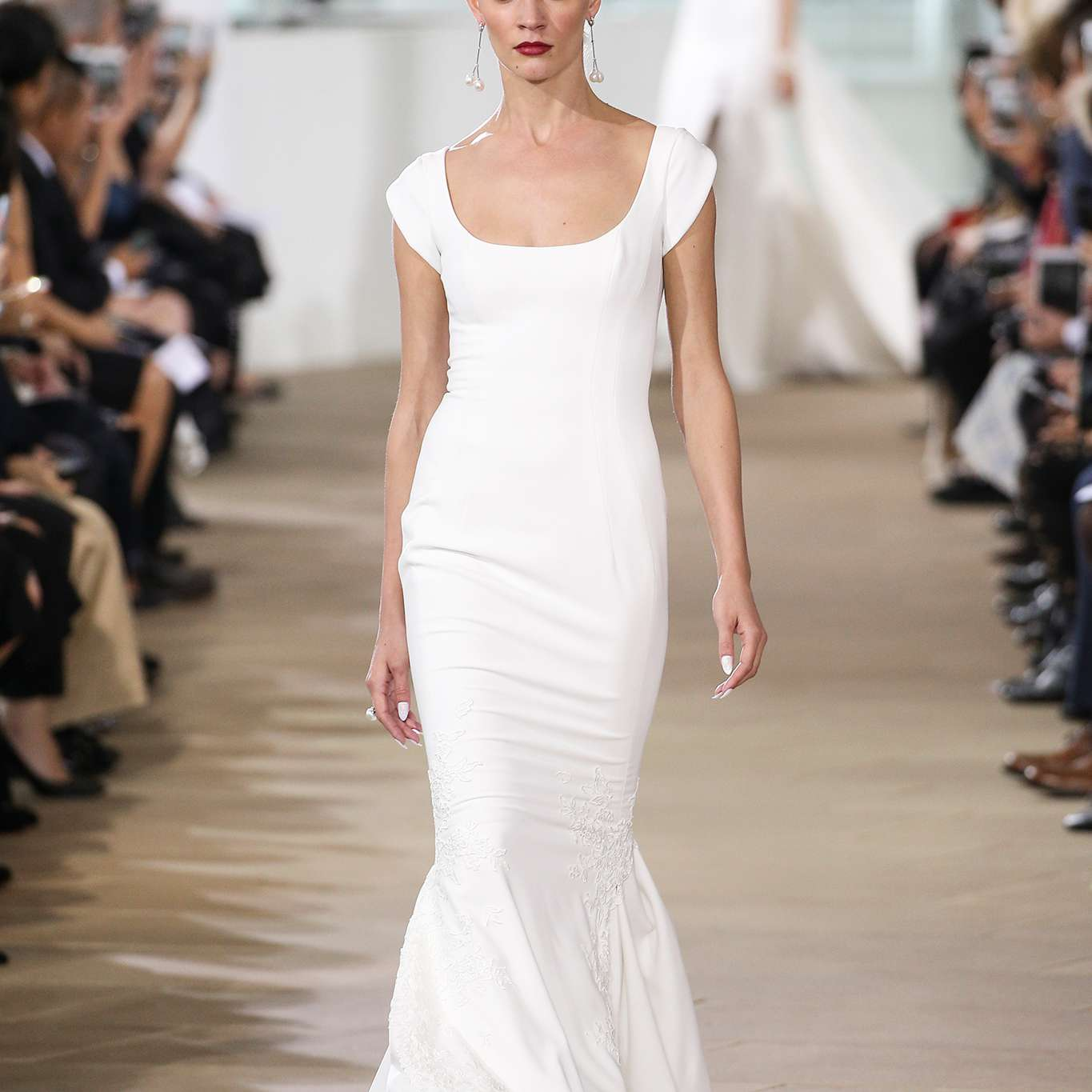 Wedding Gowns For Petite Figures: 100+ Wedding Dresses Perfect For Petite Figures