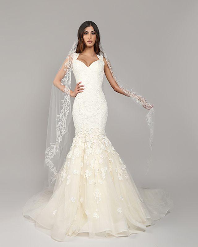 woman wearing wedding gown