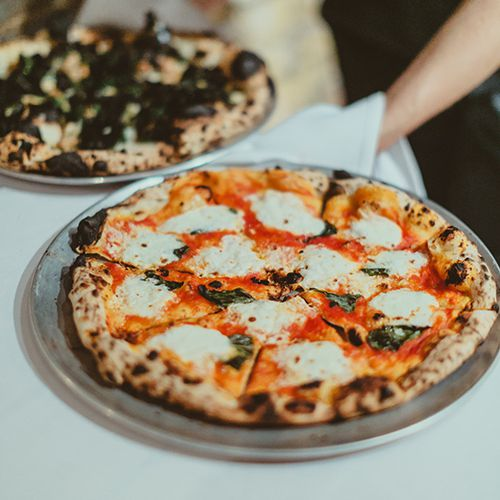 Foods To Serve At A Wedding Reception: 8 Creative Ways To Serve Pizza At Your Wedding