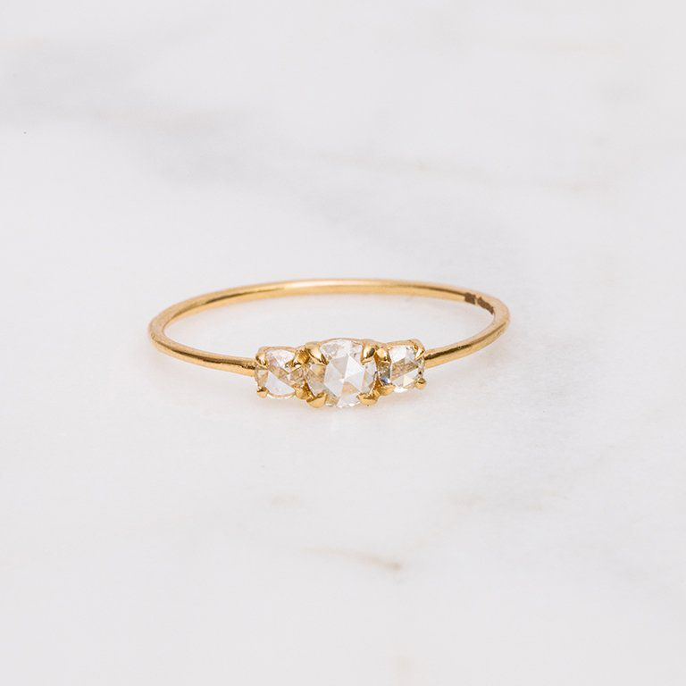 10 Simple Engagement Rings for the Minimalist Bride