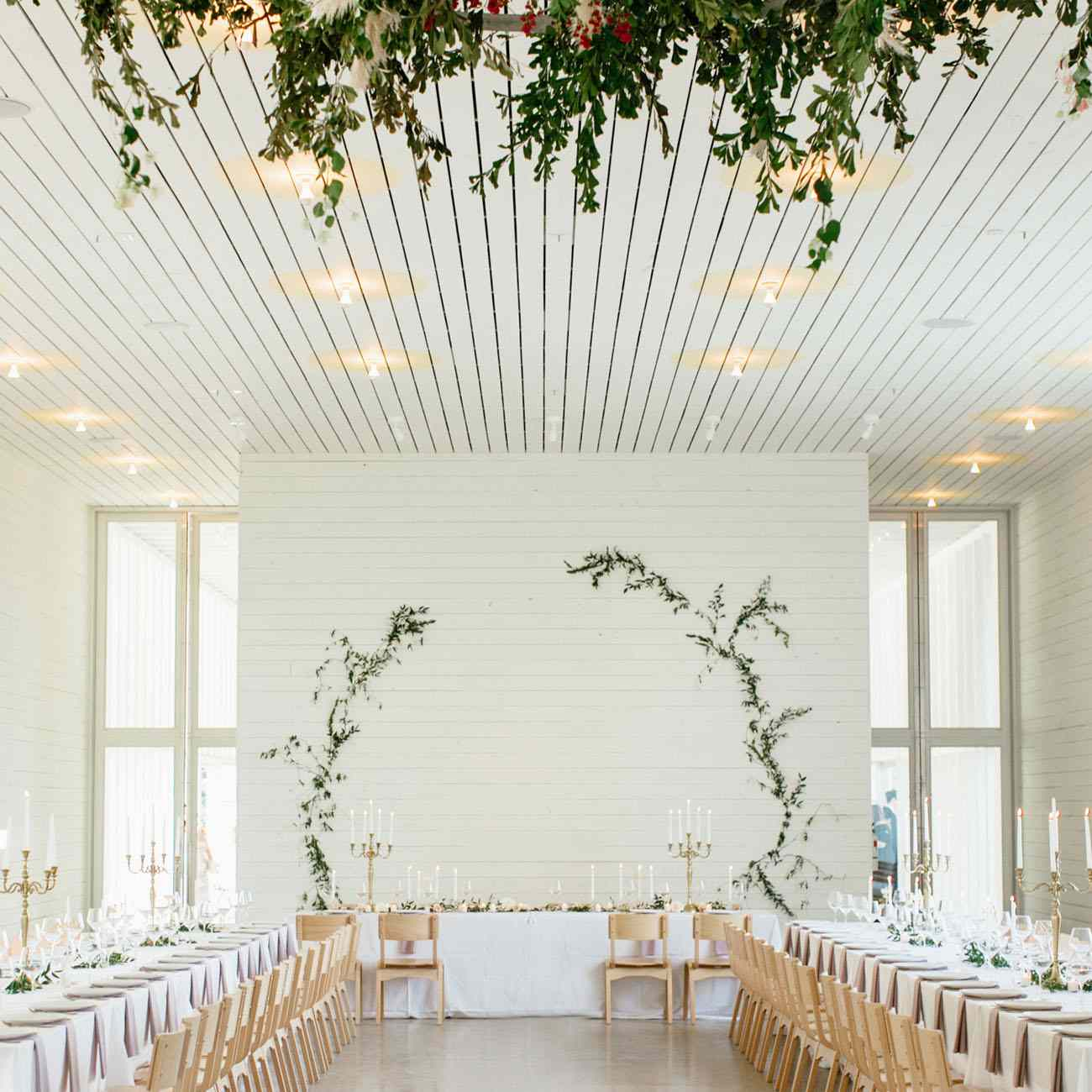 Simple Wedding Stage Decoration Ideas: 30 Minimalist Wedding Ideas For The Cool Bride
