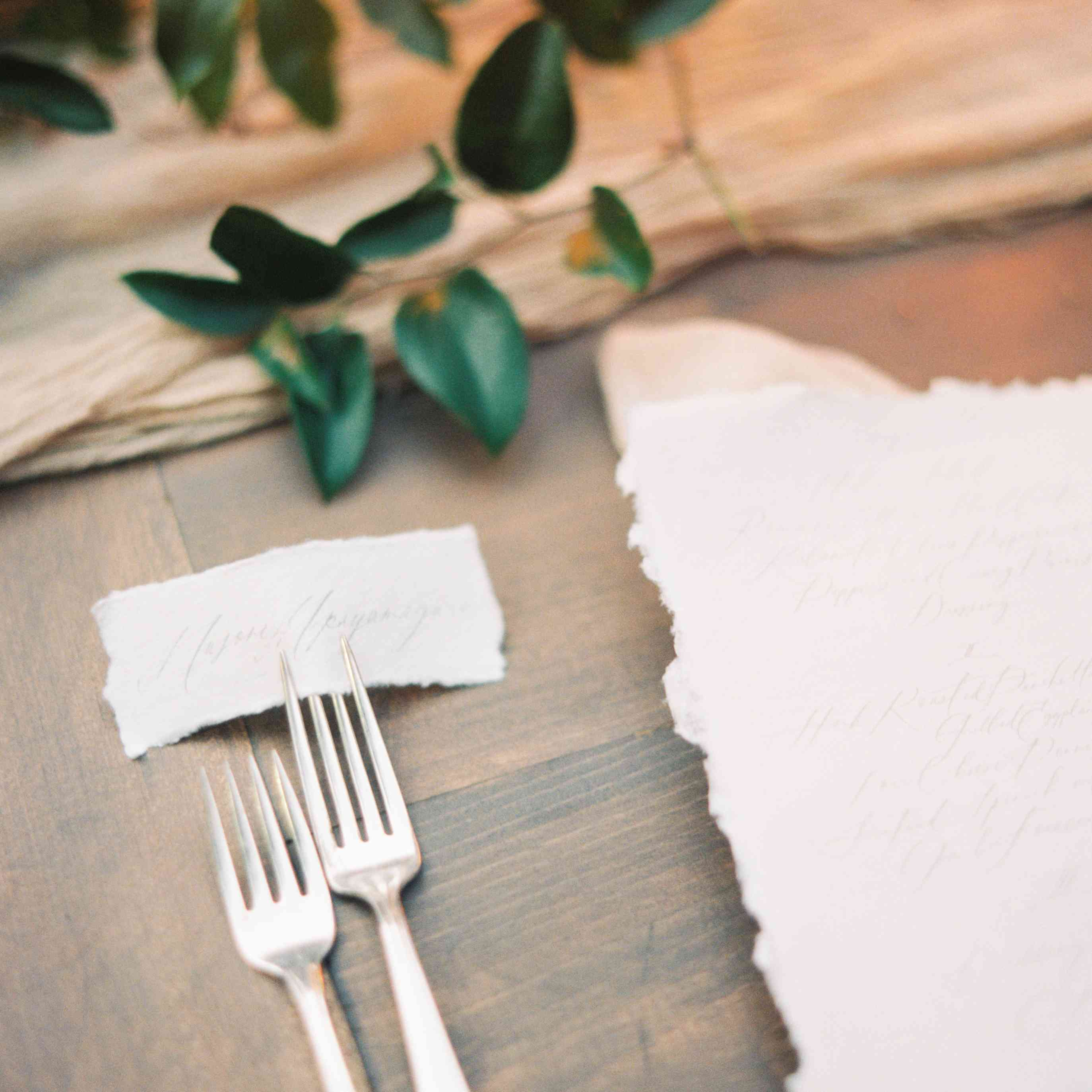 <p>place setting silverware</p><br><br>