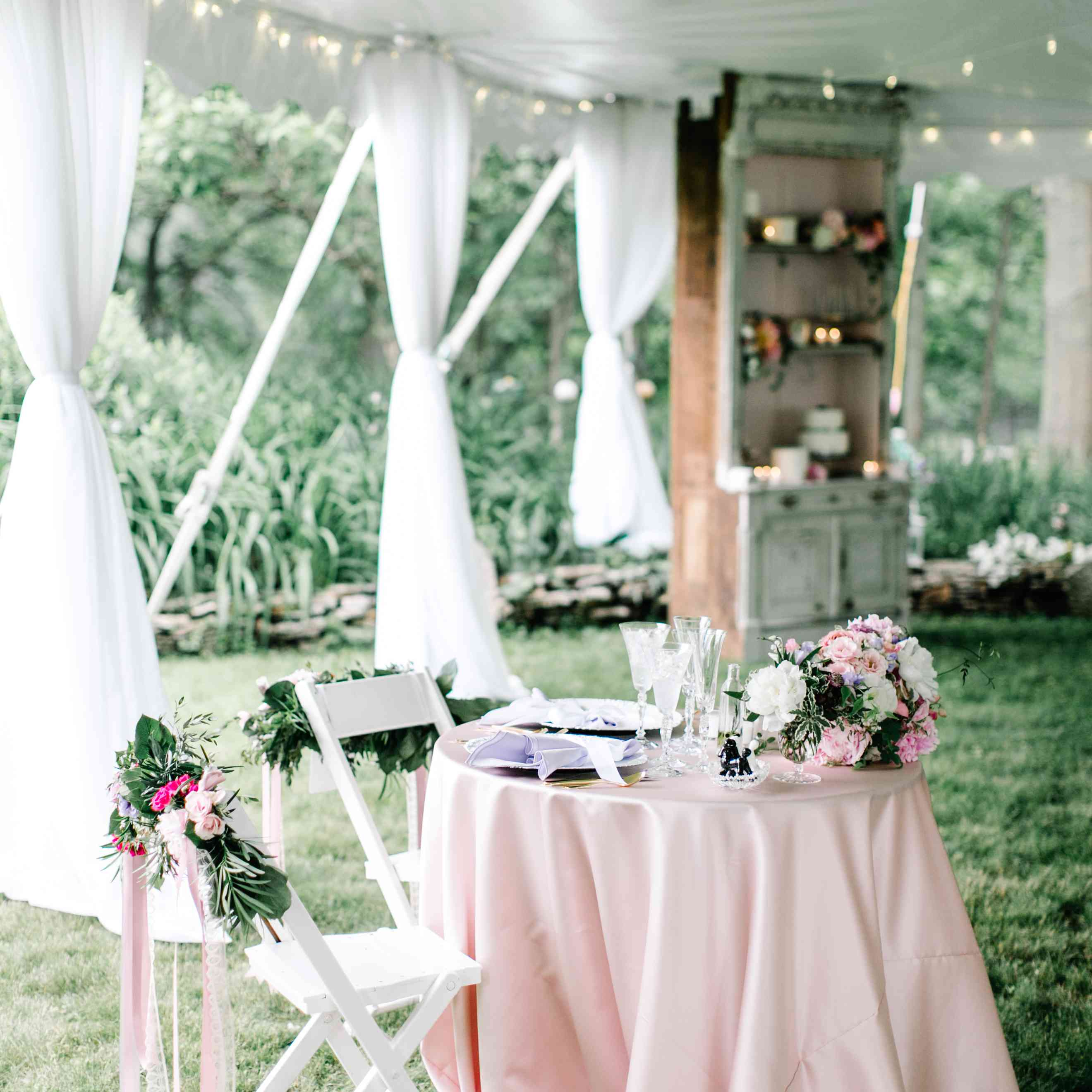 10 Sweetheart Table Ideas You Ll Fall Head Over Heels For
