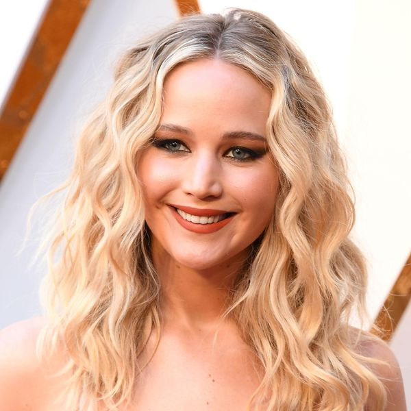 Jennifer Lawrence arrives at the 90th Annual Academy Awards