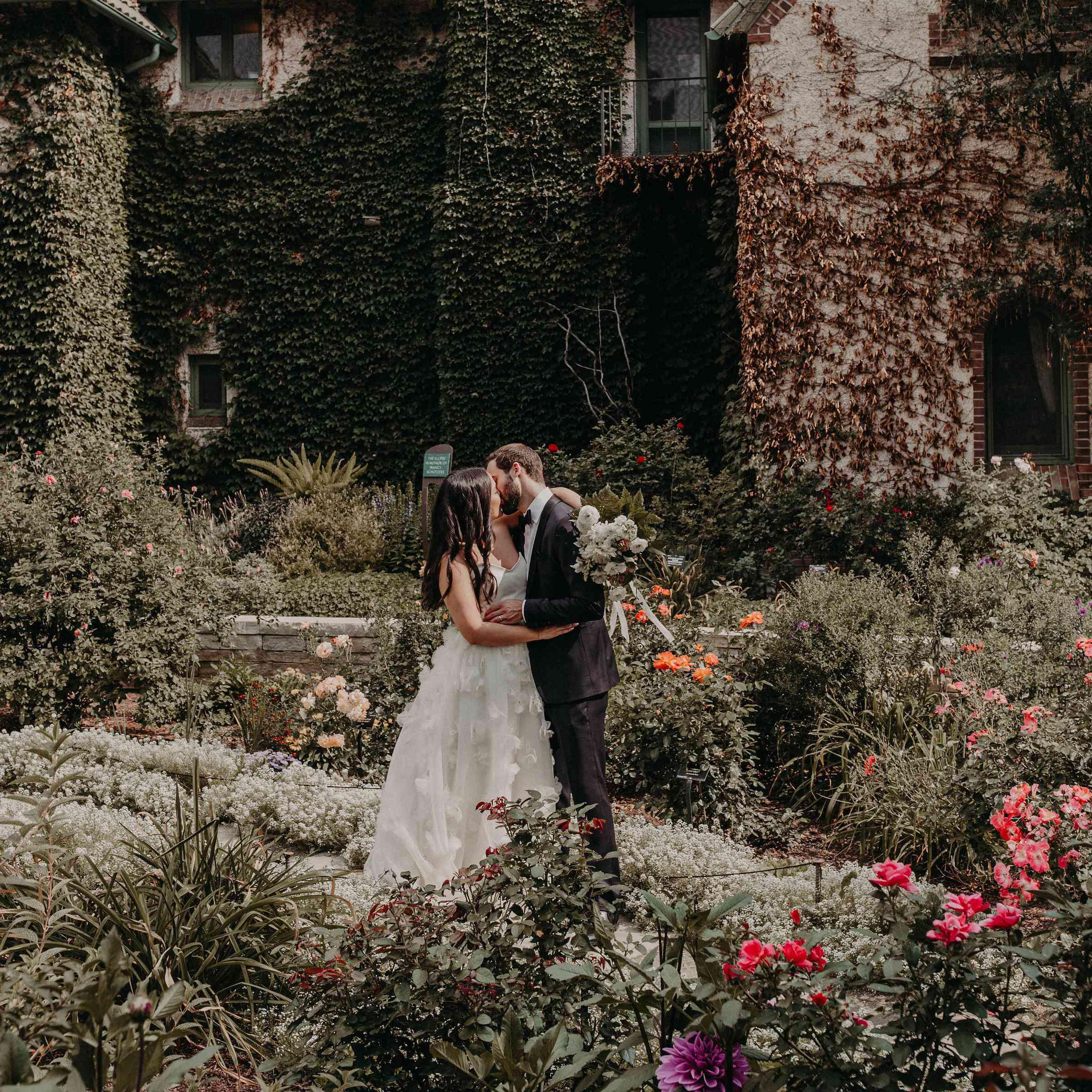 22 Romantic Wedding Ideas You'll Fall For