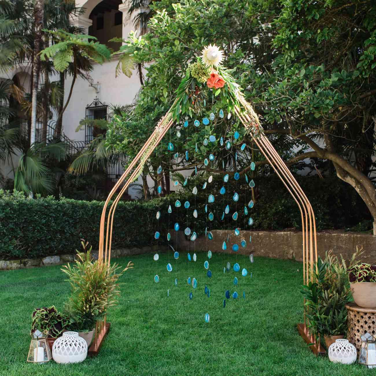 Hanging crystals on triangular shaped altar