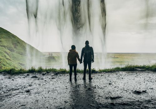 couple sightseeing in Iceland