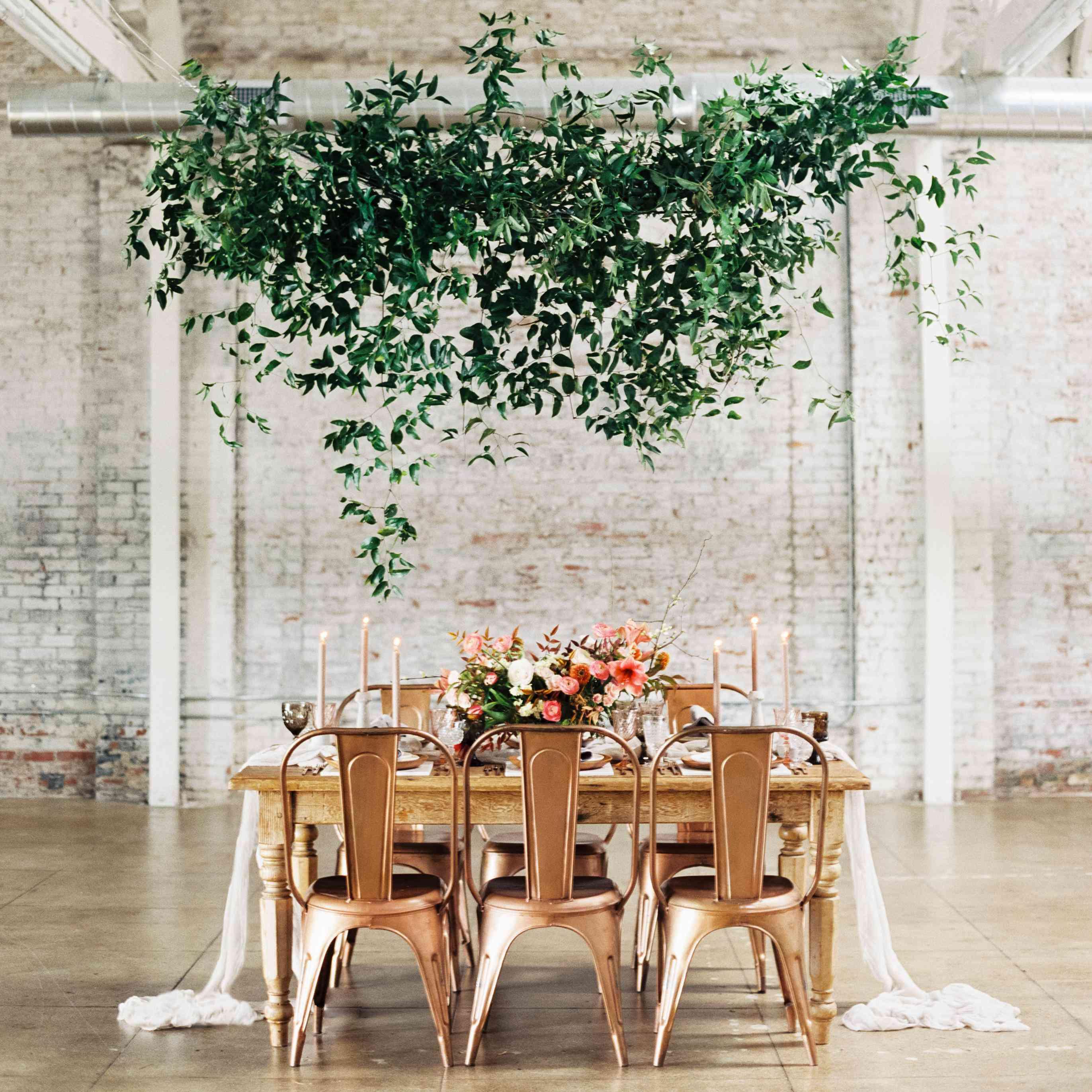 Outdoor November Wedding Flowers: Amazing Hanging Greenery Installations For Your Wedding