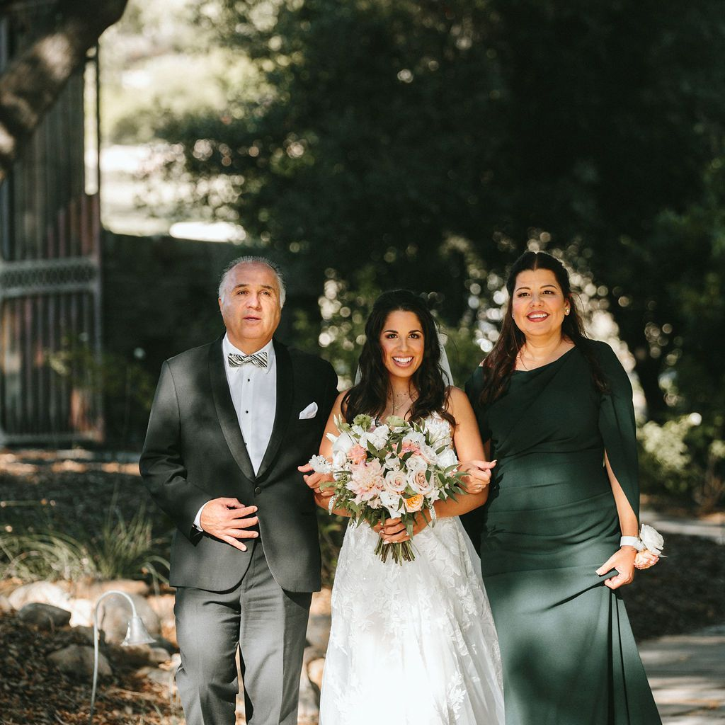 bride with father and mother