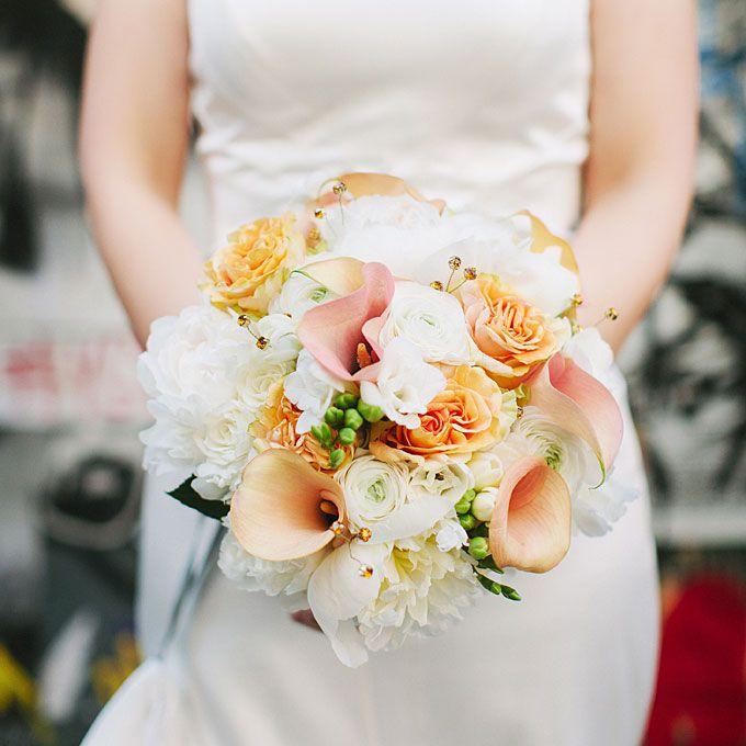 Bouquet with peach calla lillies