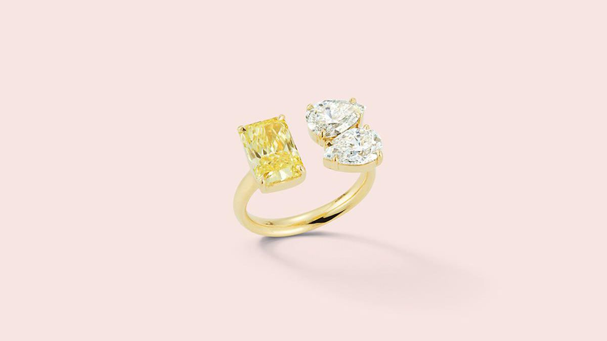 16 Uniquely Shaped Engagement Rings For The Unconventional Bride