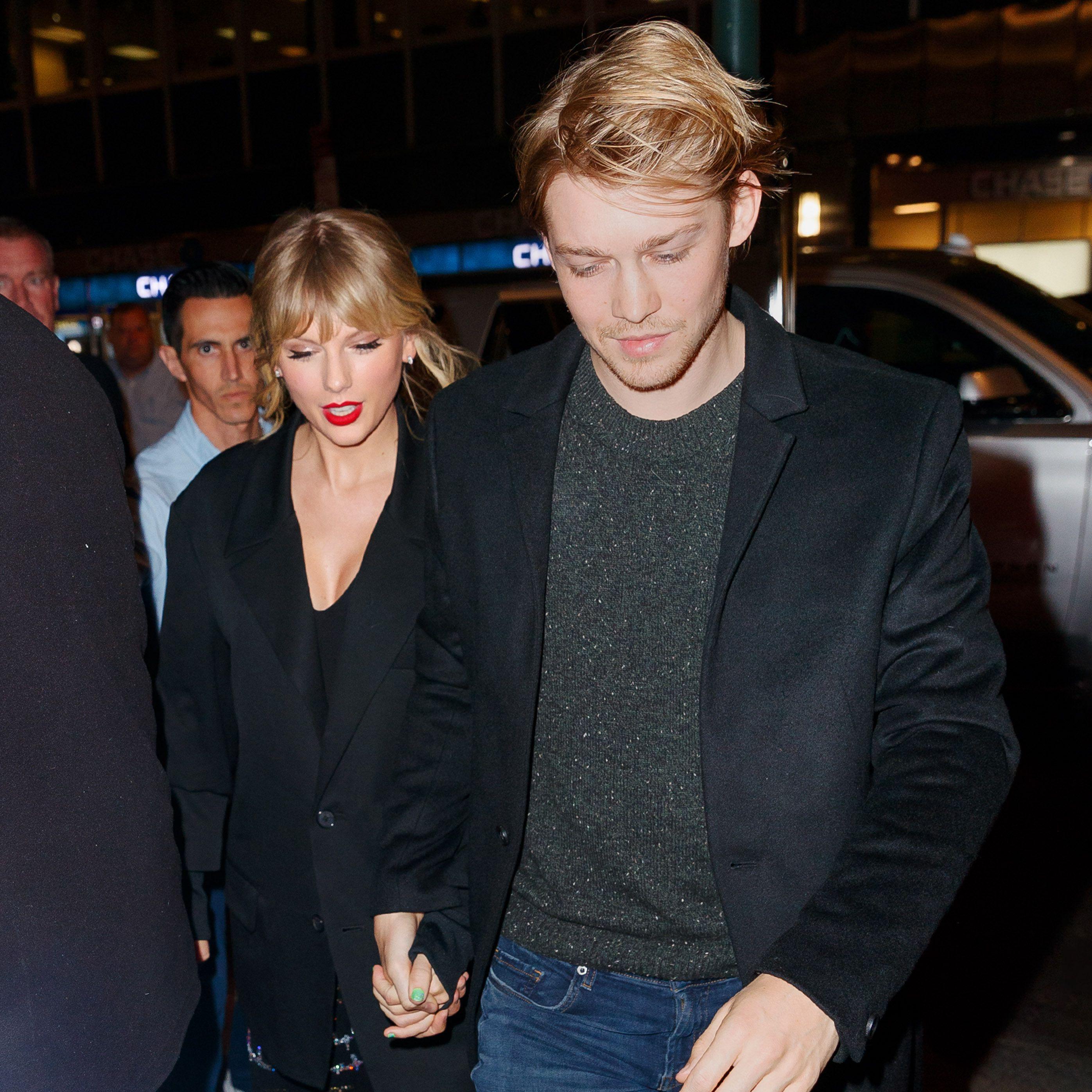 Taylor swift and joe alwyn together