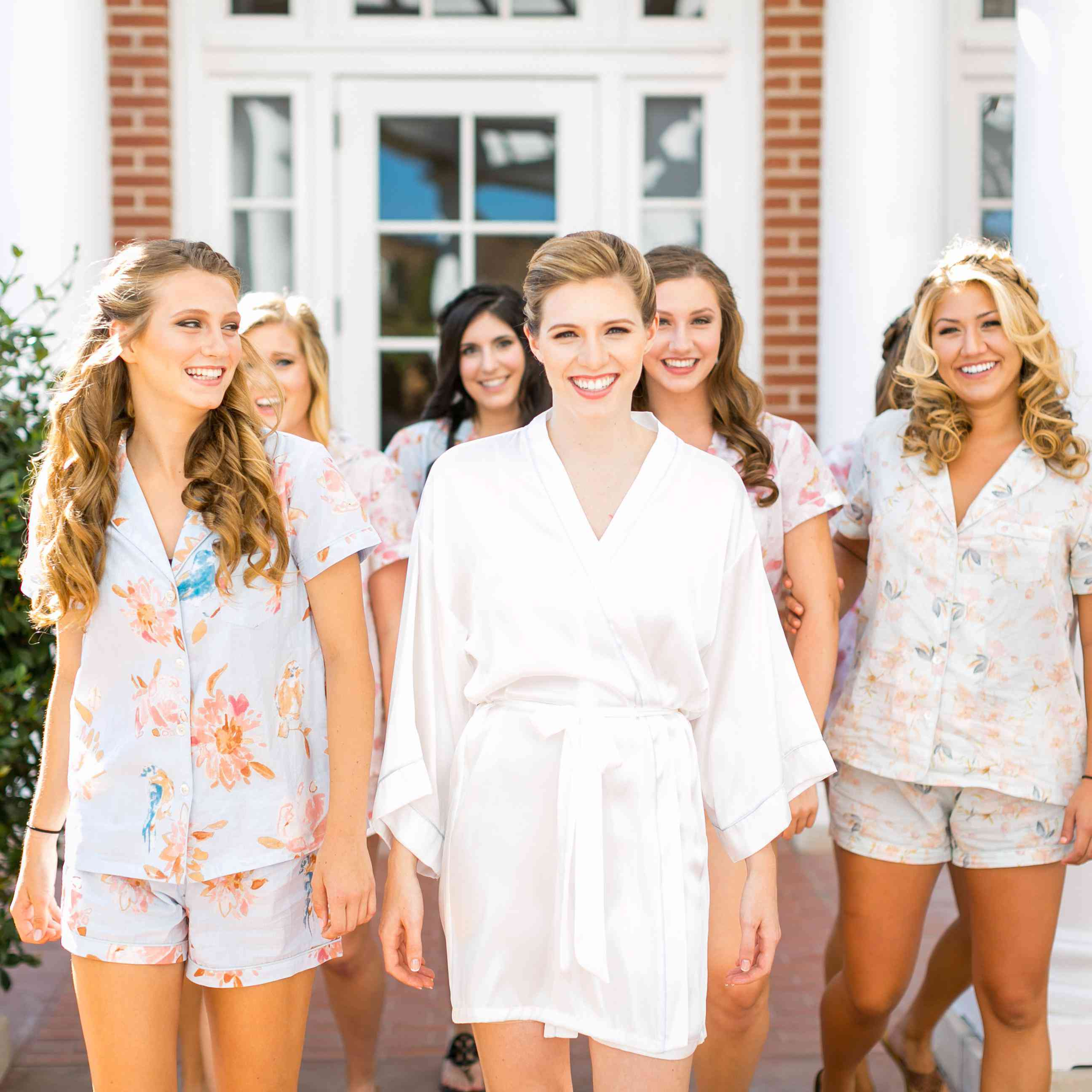 Who Pays For Bridal Party Hair And Makeup The Morning Of The