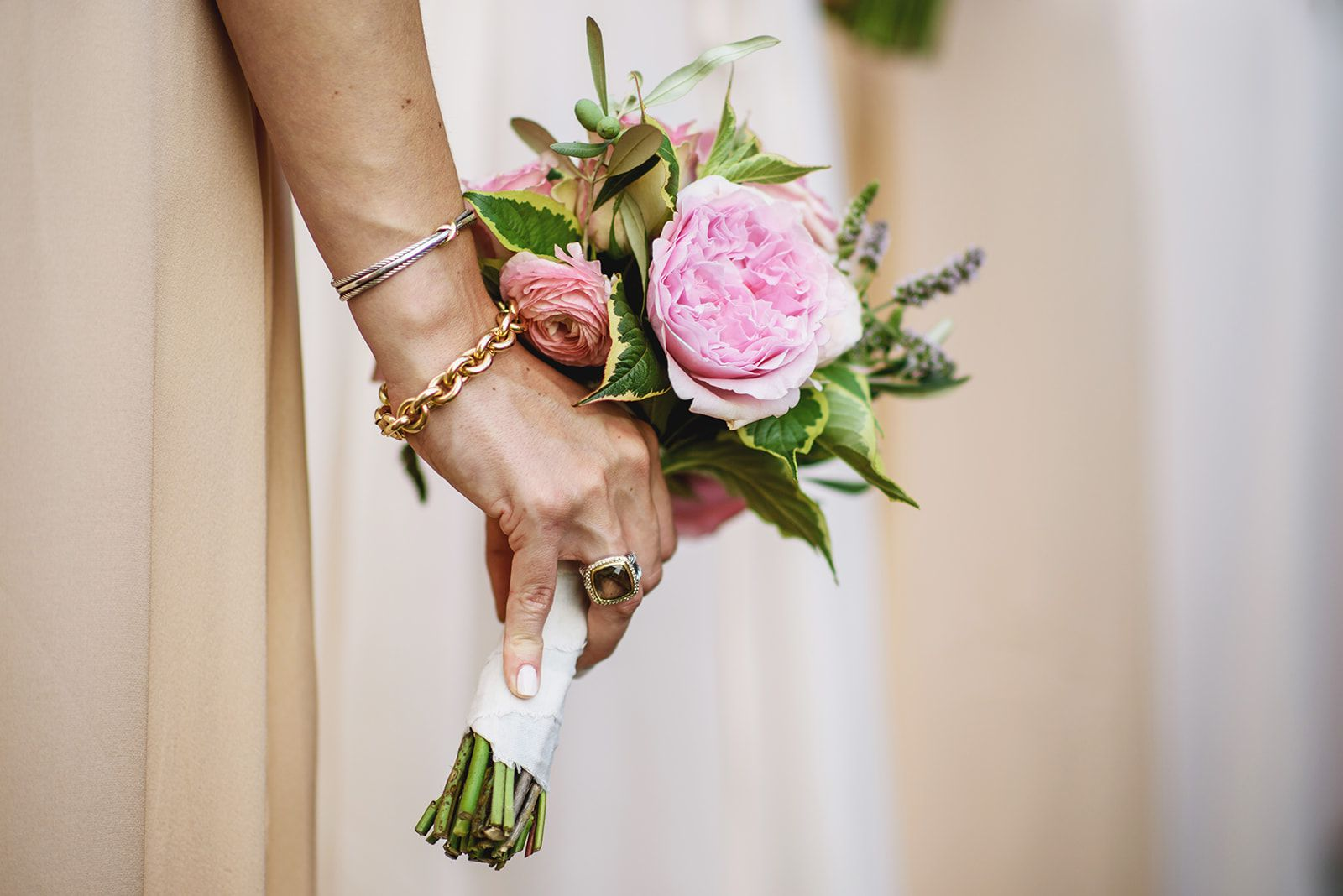 01f23fcd903a Insanely Stunning Spring Wedding Bouquets