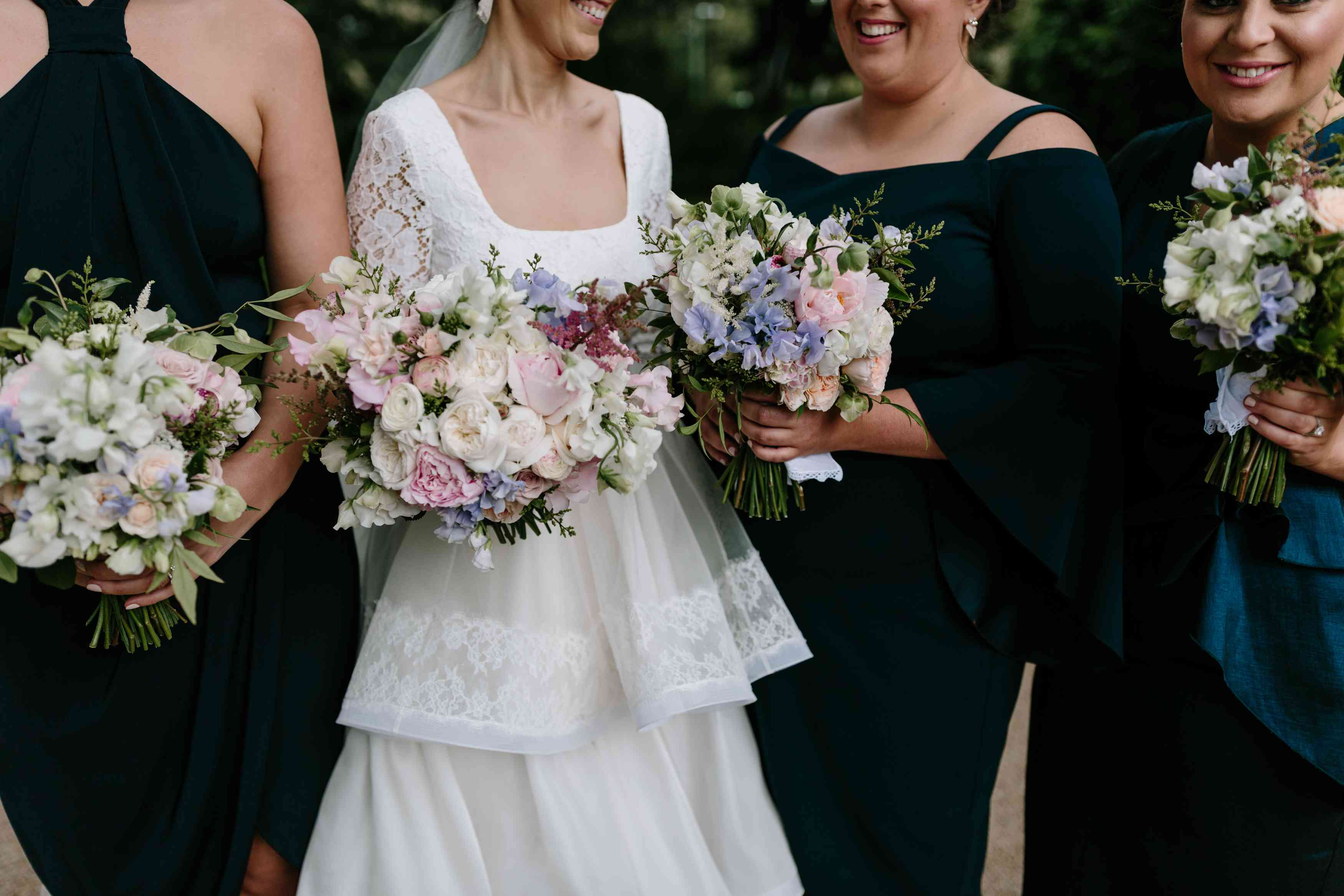 <p>bridesmaids bouquets</p><br><br>