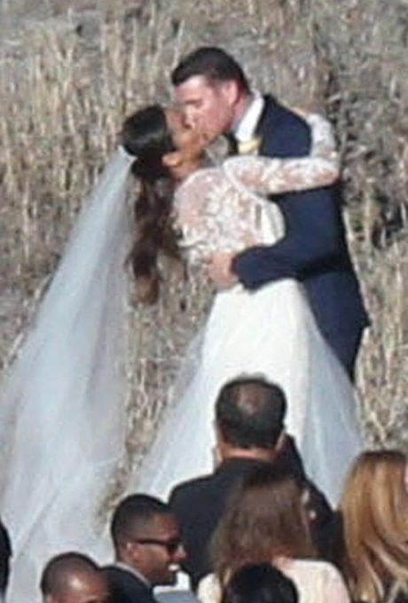 Jamie Chung marries Bryan Greenberg on Halloween in Monique Lhuillier, 2015