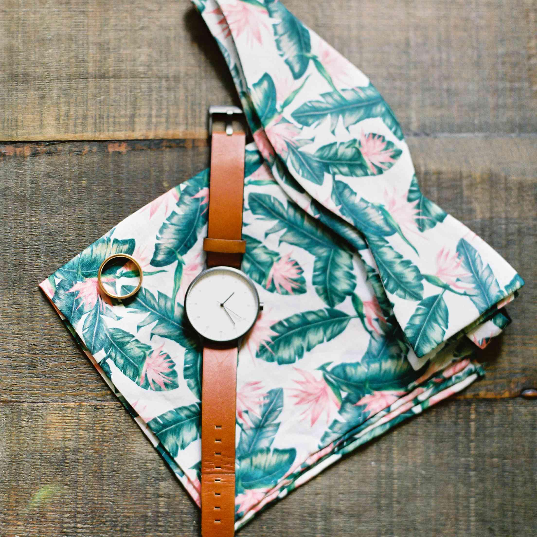 tropical maui wedding, tropical printed tie pocket square