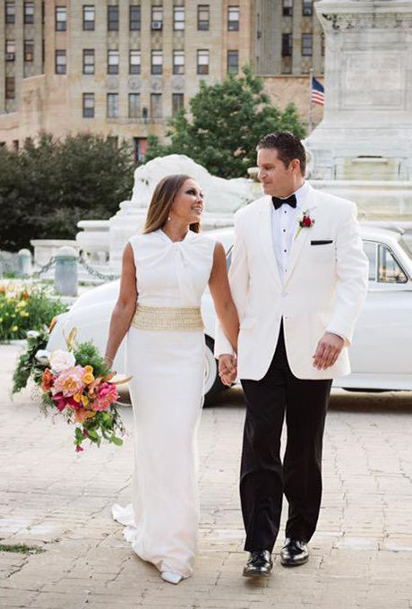 Vanessa Williams marries Jim Skrip on July 4, in an Egyptian-inspired wedding, 2015