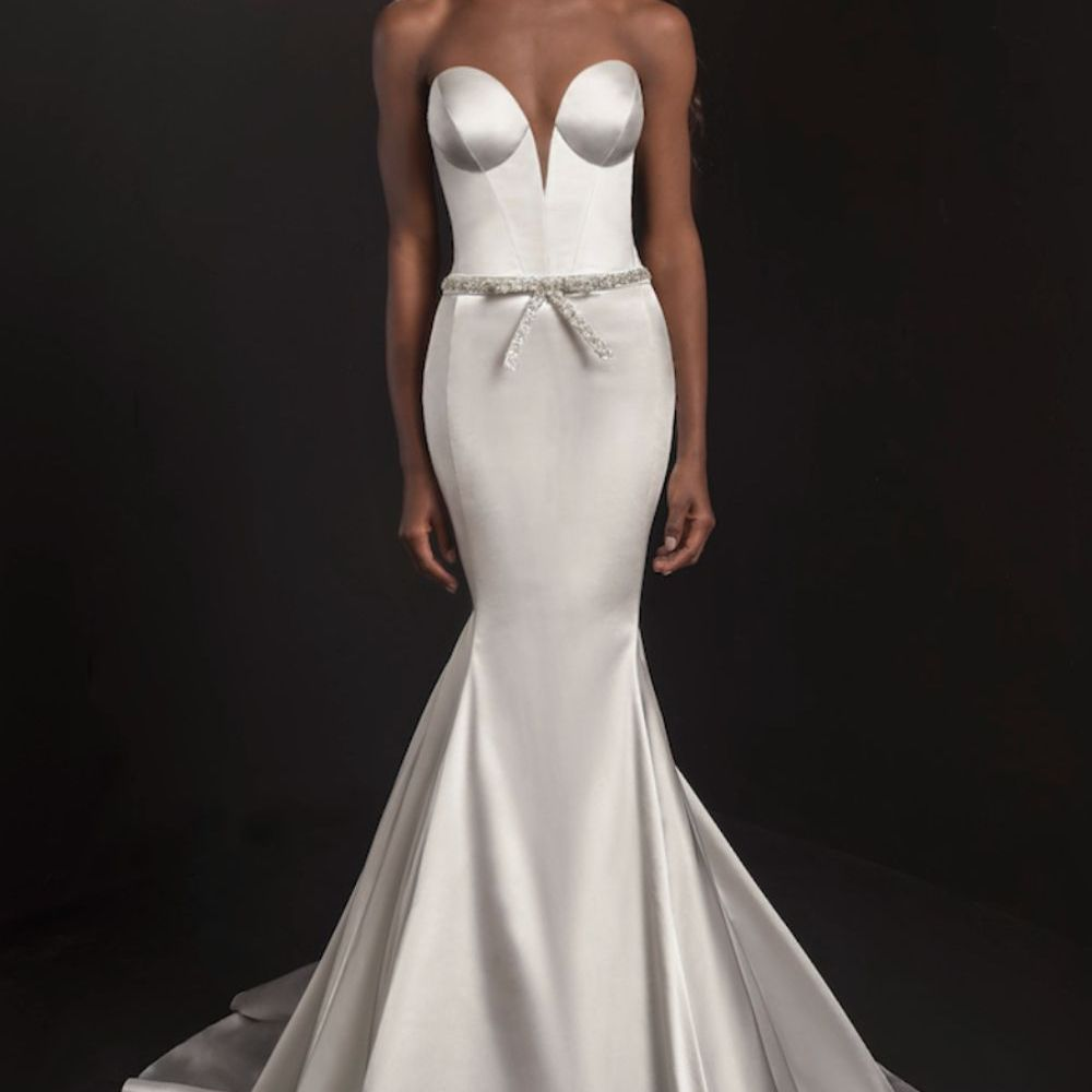 sweetheart neckline dress