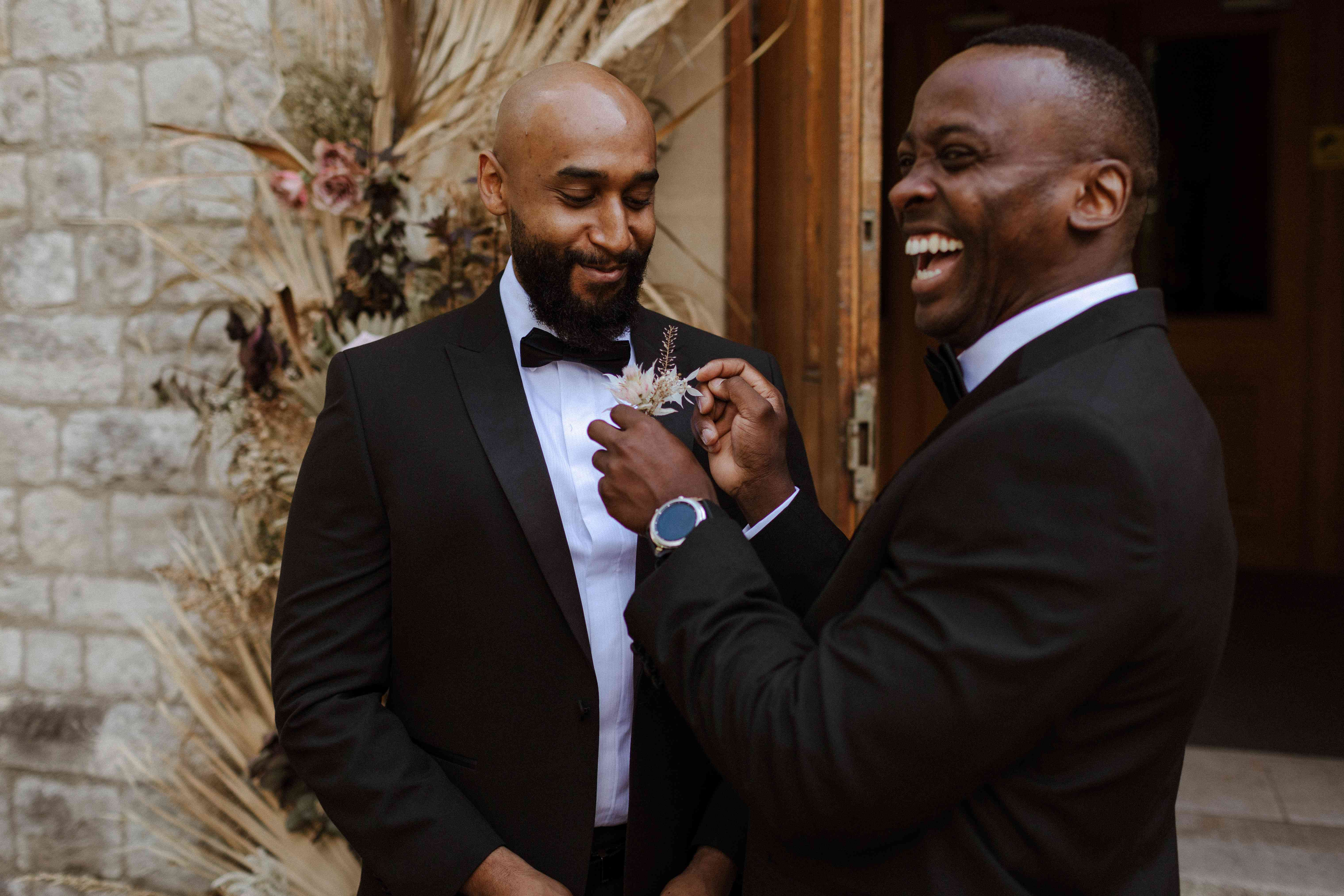 groomsmen with boutonnieres