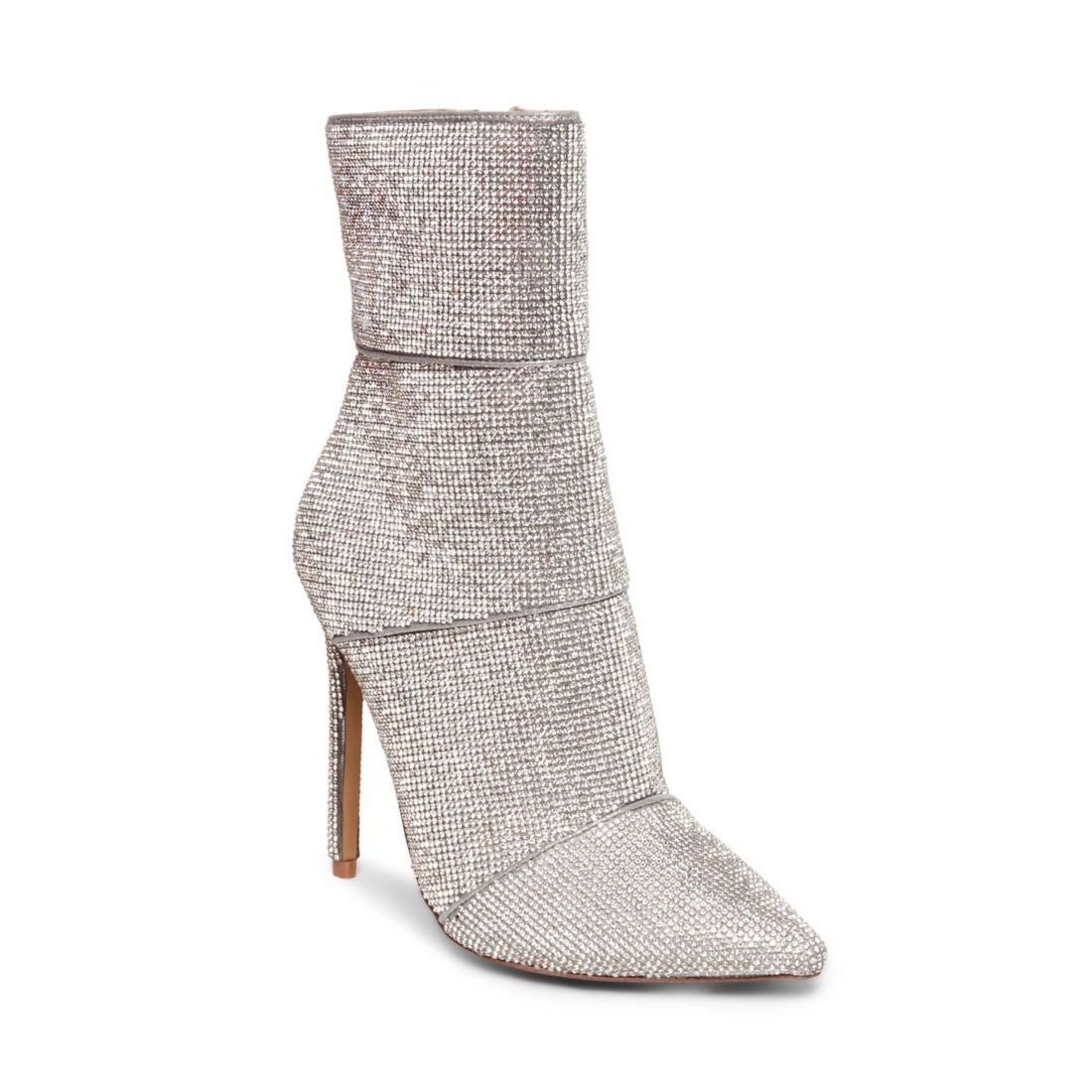 f0016029278 27 Bridal Booties Made for Winter Brides