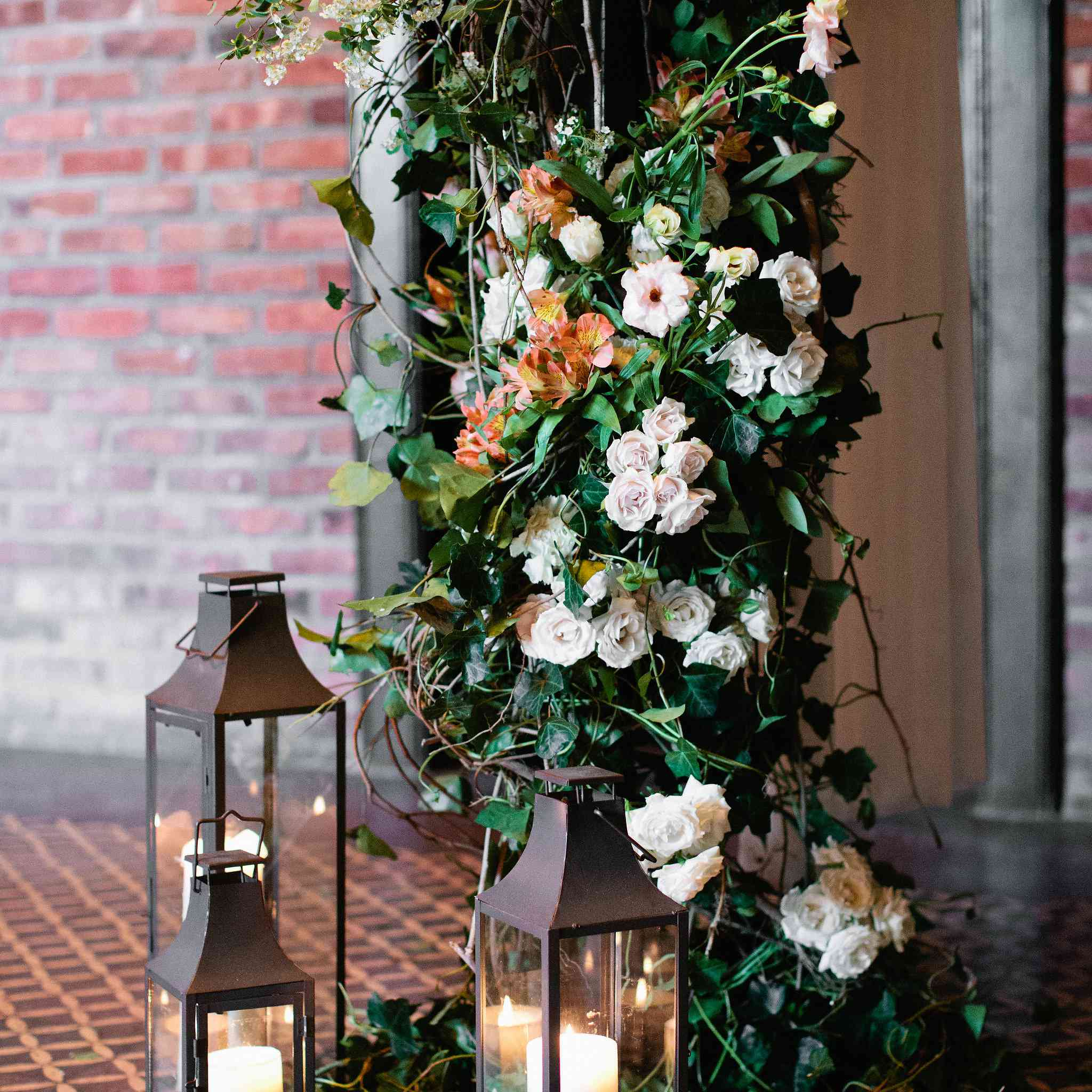 The Prettiest Ways To Decorate Your Wedding With Candles