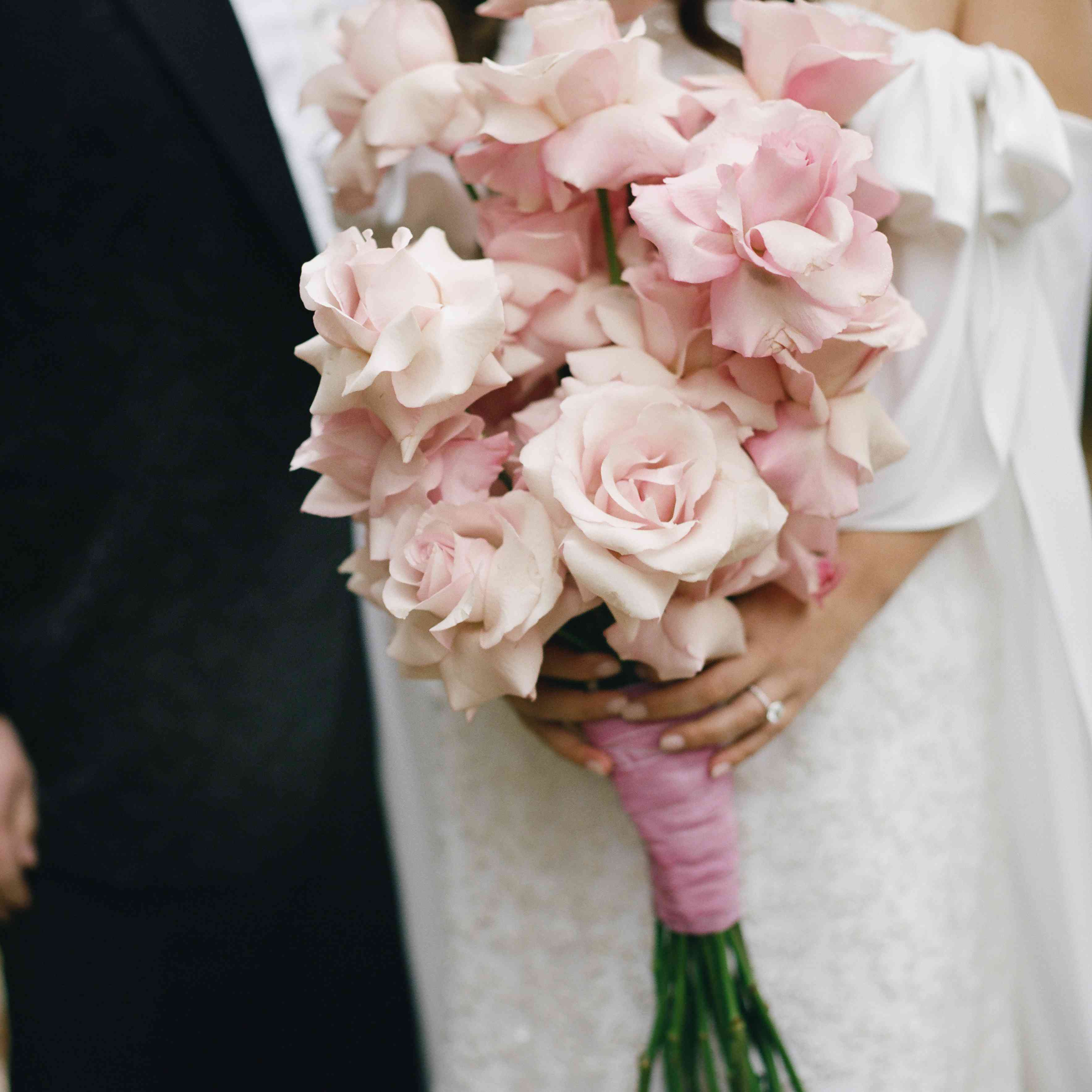 20 Pretty Pink Wedding Bouquets For Every Style Bride