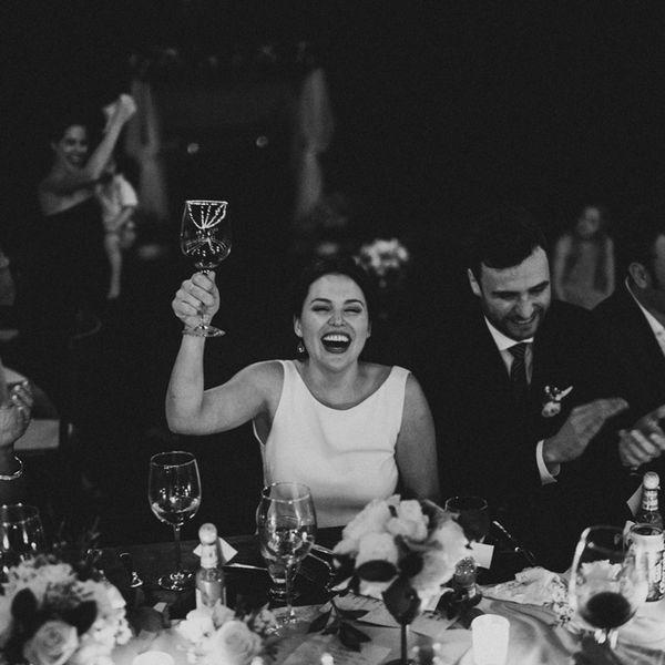 <p>cheers toast</p>