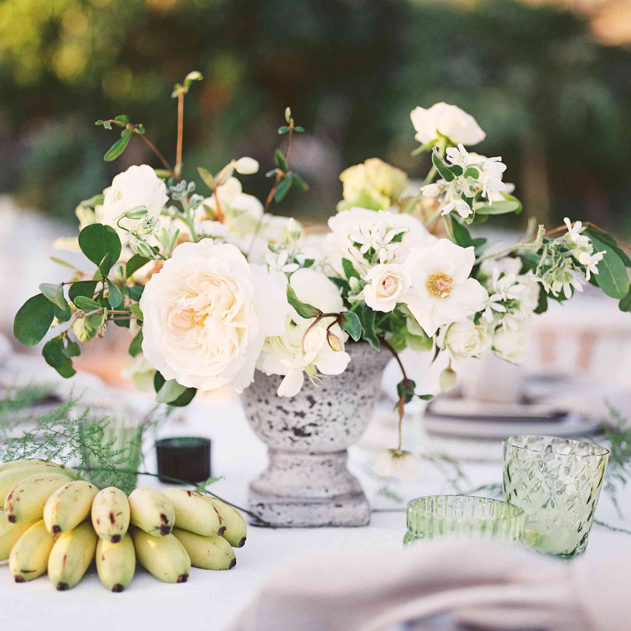 wedding tablescape flowers and fruit