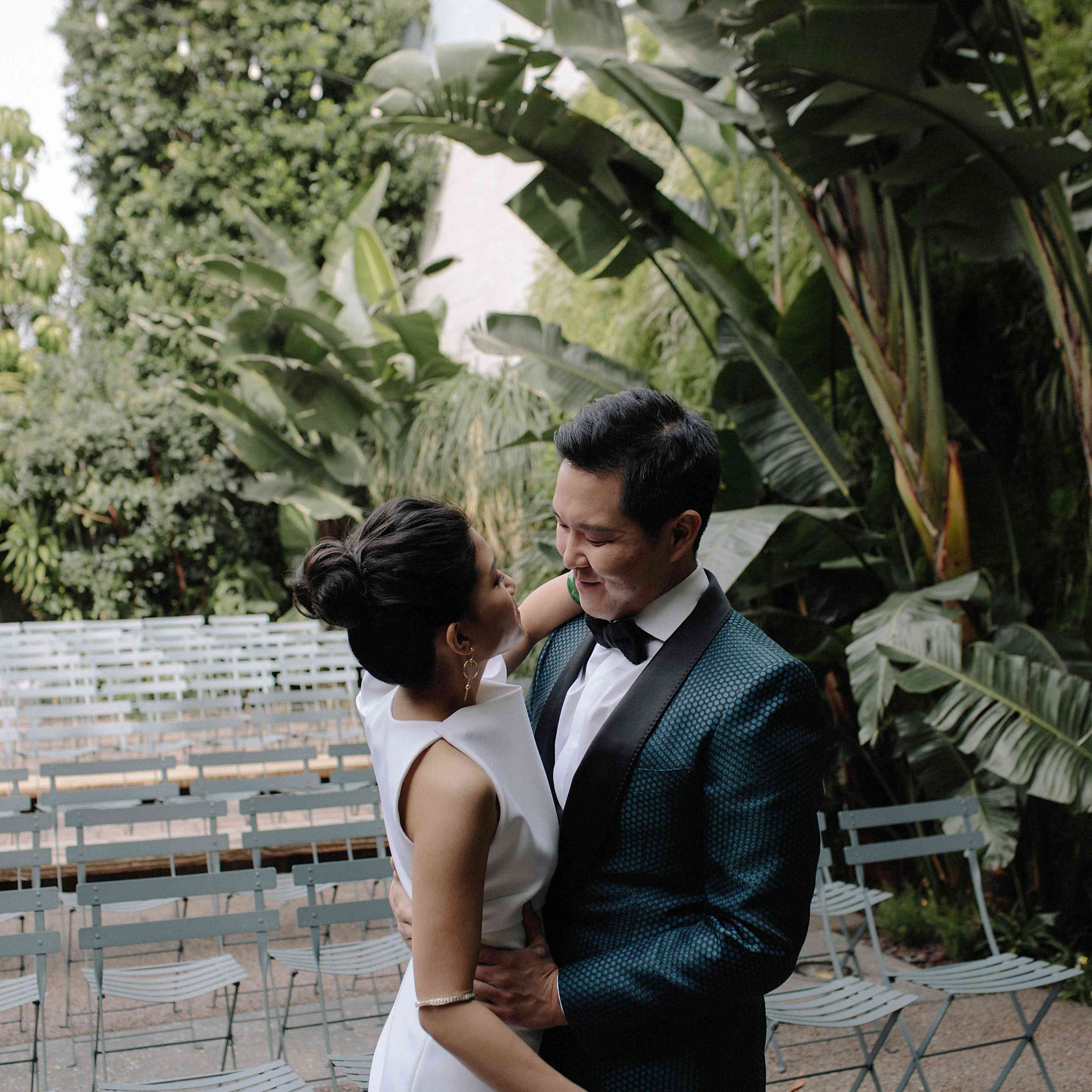 <p>Bride and groom before ceremony</p><br><br>