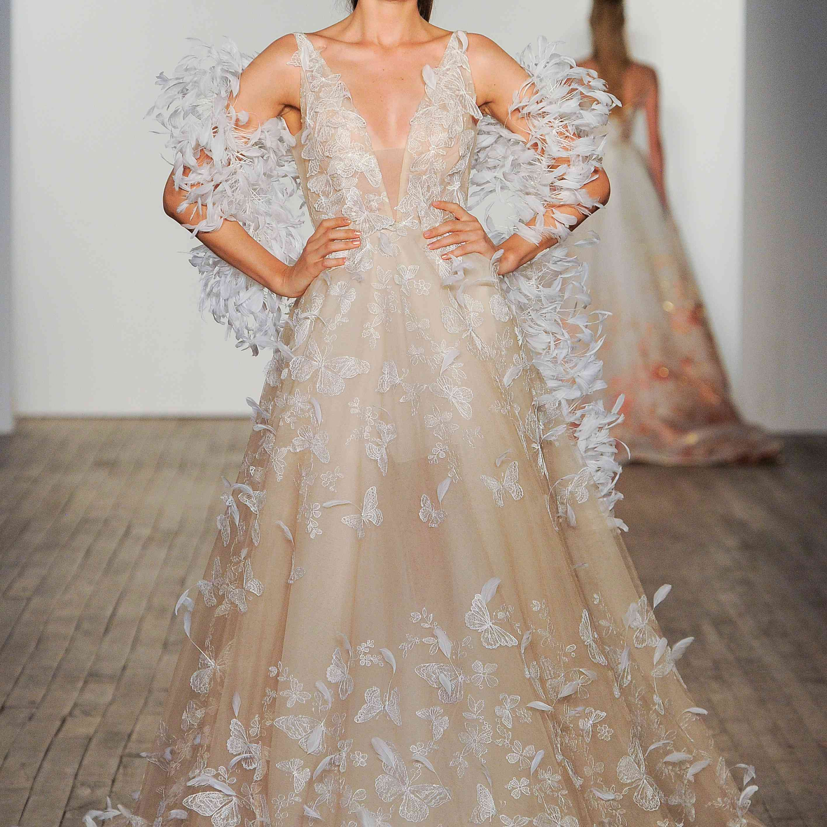 Mariposa sleeveless wedding dress with butterfly embroidery