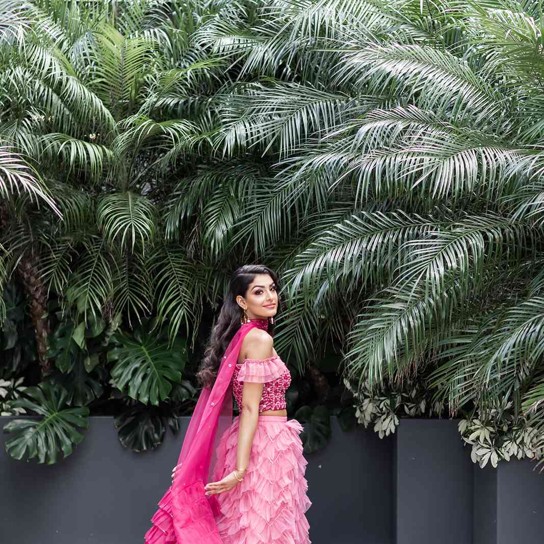 mehndi ceremony outfit